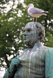 statue-bird-droppings